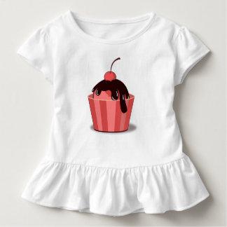 さくらんぼのファッジのサンデーの幼児のひだのティー トドラーTシャツ