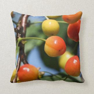 さくらんぼの果実の枕 クッション