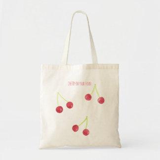 さくらんぼの水彩画のトートバックの食料雑貨 トートバッグ