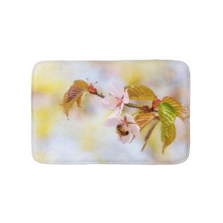 さくらんぼの花の蜂 バスマット