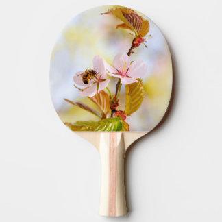 さくらんぼの花の蜂 卓球ラケット