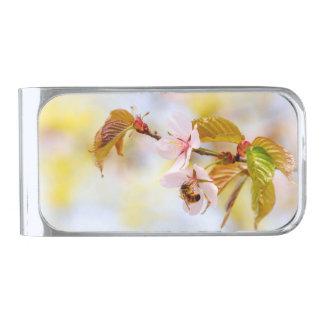 さくらんぼの花の蜂 銀色 マネークリップ