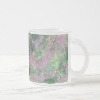 しわにされた春の緑の質 フロストグラスマグカップ