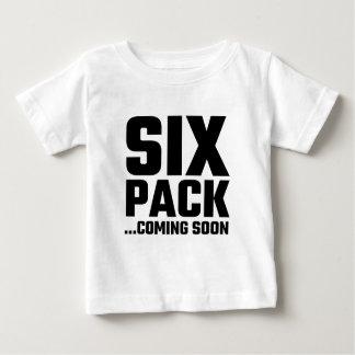 すぐに来る6パック ベビーTシャツ