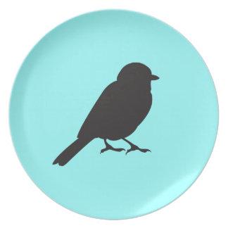 すずめのシルエットのシックで青いつばめの鳥 プレート