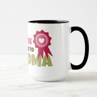 すばらしいお母さんは祖母に促進されて得ます マグカップ