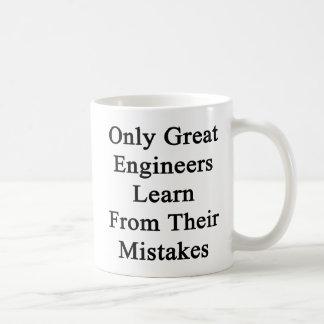 すばらしいエンジニアだけ彼らの間違いから学びます コーヒーマグカップ