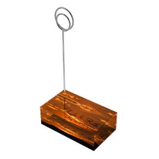 すばらしいオレンジ日没山のテーブルの帯出登録者 テーブルカードホルダー