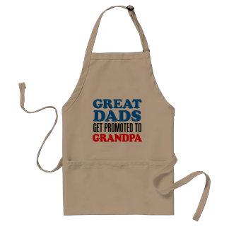 すばらしいパパは祖父のエプロンに促進されて得ます スタンダードエプロン
