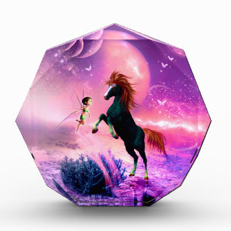 すばらしい妖精を持つ馬 表彰盾