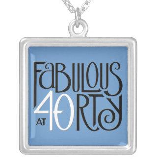 すばらしい40の白黒の青い正方形のネックレス シルバープレートネックレス