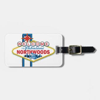 すばらしいNorthwoodsへのスノーモービルで行くか、または歓迎 ラゲッジタグ