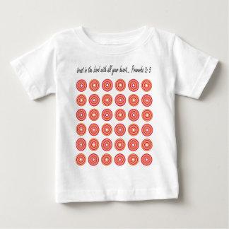 すべてのあなたのハートの主で信頼して下さい ベビーTシャツ