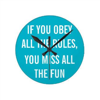 すべての規則に従えば、すべてのおもしろいを恋しく思います ラウンド壁時計