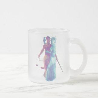 すべての_*frosted*のための自由そして正義 フロストグラスマグカップ
