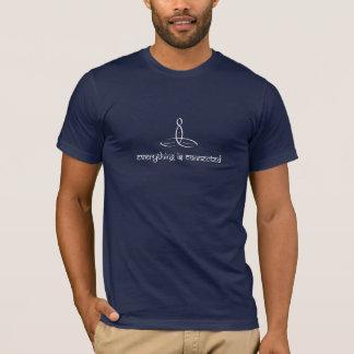すべては-白いSanskritスタイル接続されます Tシャツ