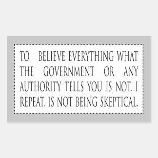 すべてを信じることはありません 長方形シール