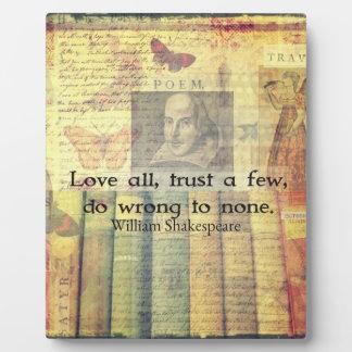 すべてを愛しないで下さい、少数を信頼して下さい、どれもに引用文悪いことをして下さい フォトプラーク