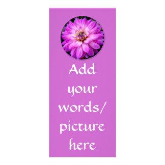 すみれ色か紫色のダリア ラックカード