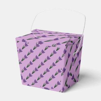 すみれ色のパッチワークのチューリップの好意箱 フェイバーボックス
