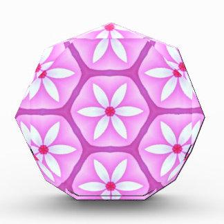 すみれ色の六角形パターンのデイジー 表彰盾