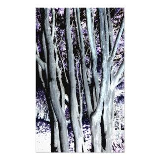 すみれ色の森林木の紫色の灰色の芸術の写真撮影 フォトプリント