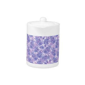 すみれ色の水彩画の薄紫の花