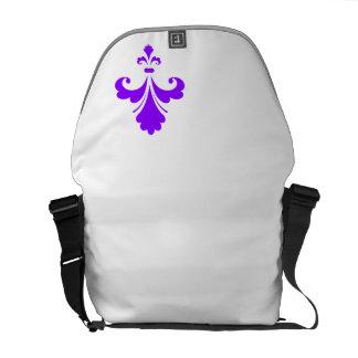 すみれ色の紫色のアヤメ メッセンジャーバッグ