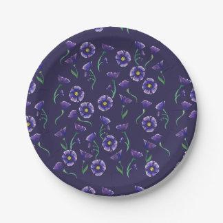 すみれ色の紫色の花 ペーパープレート