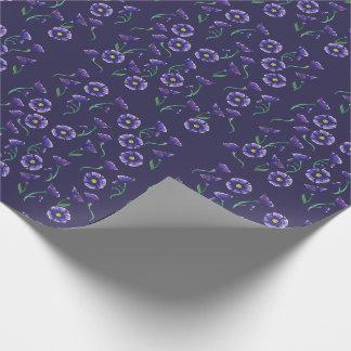 すみれ色の紫色の花 ラッピングペーパー