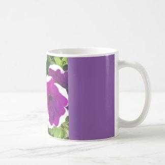 すみれ色の花 コーヒーマグカップ