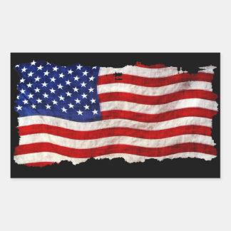 ずたずたに裂かれたグランジで愛国心が強い米国の旗、米国 長方形シール
