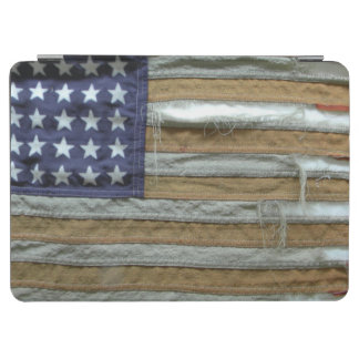 ずたずたに裂かれた米国旗 iPad AIR カバー