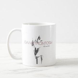 そこのダニーMcIntoshの半分の方法は襲います コーヒーマグカップ