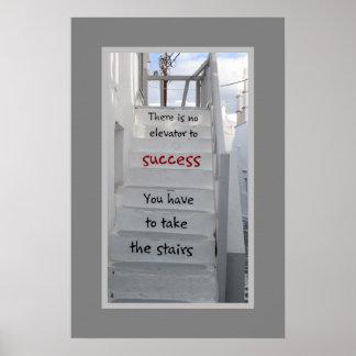 そこのMykonos階段は成功へエレベーターではないです ポスター