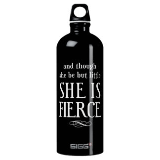 そして彼女が少しあるが、けれども、彼女は激しいです ウォーターボトル