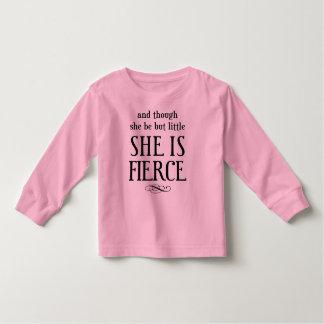 そして彼女が少しあるが、けれども、彼女は激しいです! トドラーTシャツ