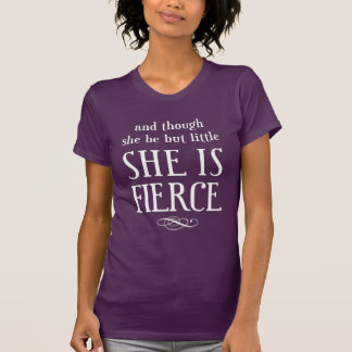 そして彼女が少しあるが、けれども、彼女は激しいです! Tシャツ