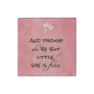 そして彼女が少しあるが、けれども、彼女は激しい引用文です ストーンマグネット