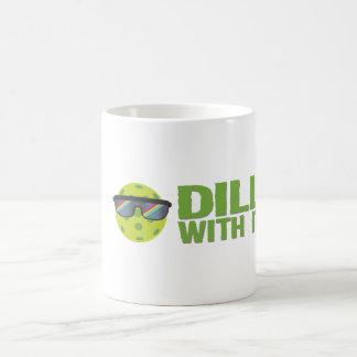 """""""それが付いているディル"""" Pickleballのマグ コーヒーマグカップ"""