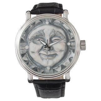 それは太陽の腕時計です 腕時計