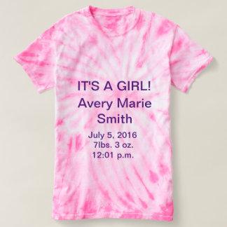 それは女の子のタイによって染められるTシャツです Tシャツ