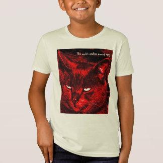 それは猫の世界…です Tシャツ
