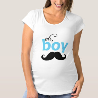 それは男の子の髭のベビーシャワーの母性のTシャツです マタニティTシャツ