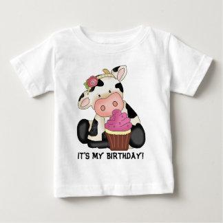 それは私の誕生日牛Tシャツです ベビーTシャツ