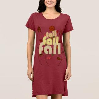 それは秋の花柄のドレスだけです ドレス