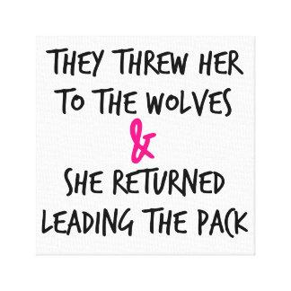 それらはオオカミポスターに彼女を投げました キャンバスプリント
