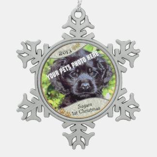 それをカスタマイズ! - Puppysの初めてのクリスマスの記念品#2 スノーフレークピューターオーナメント