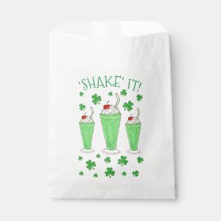 それを緑のシャムロックのクローバーのミントのミルクセーキ揺すって下さい フェイバーバッグ