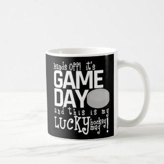 それを離れた手はですゲーム日のホッケーのコーヒー・マグ(黒) コーヒーマグカップ